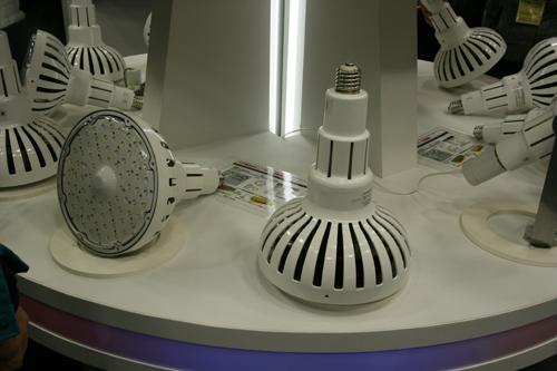 일본에선 수은등 대체용 LED조명기구 개발 활기:한국LED산업신문